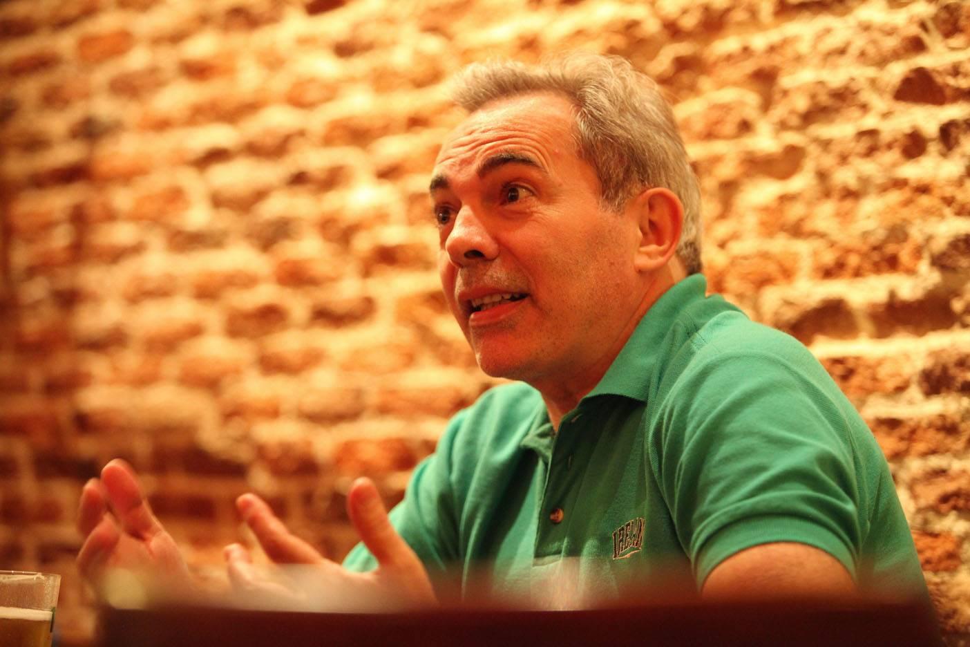 J. Carlos Alvarez Campillo, coach.