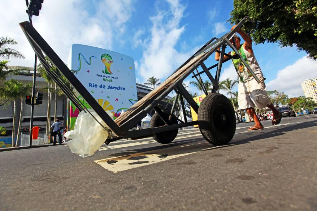 Verdeamarelo entre obras y protestas brasileiras / Lorena P. Durany