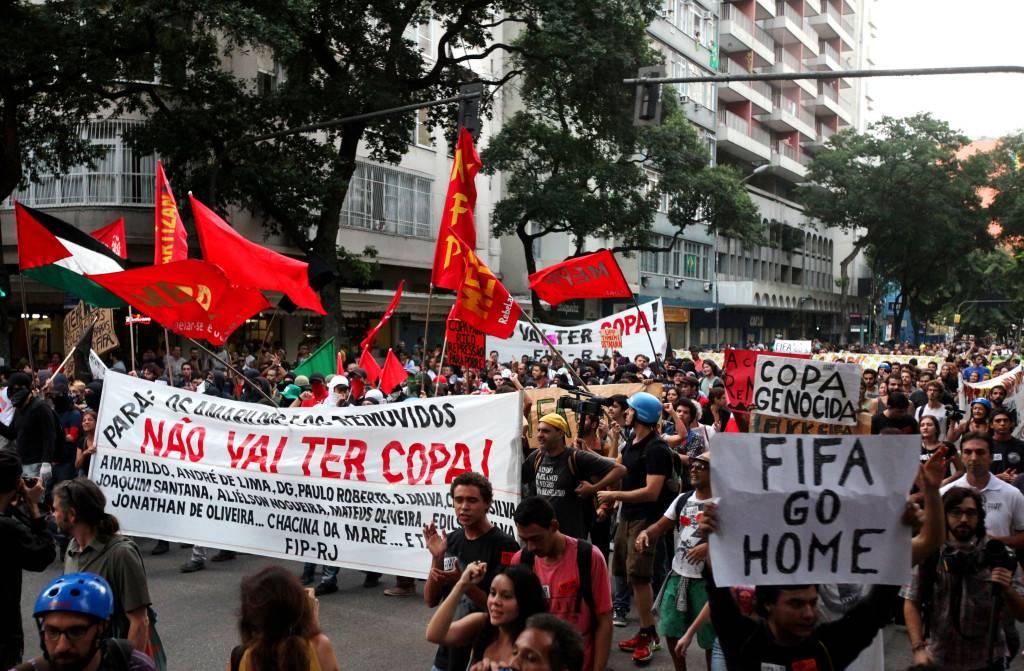 Protesta contra la Copa en Copacabana. Protesta en apertura del mundial