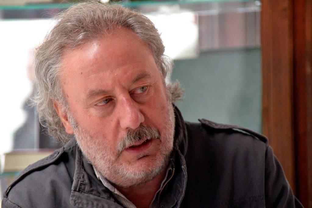 """Julio Llamazares: """"Las pérdidas se van sumando a la identidad"""""""