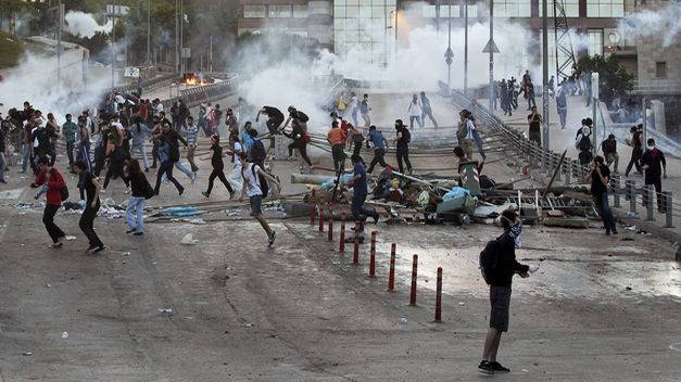 Sobre cómo abrir fuego en una manifestación y otras legalidades