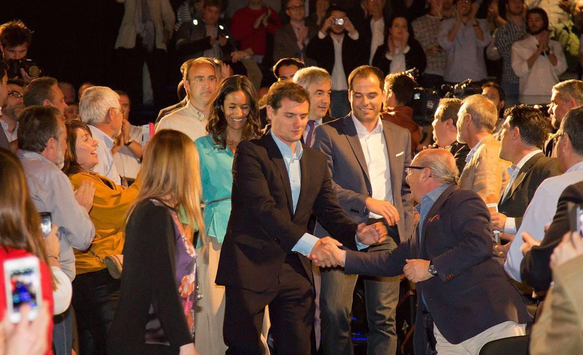 1200px-Presentación_económica_Ciudadanos_abril_2015_-_04