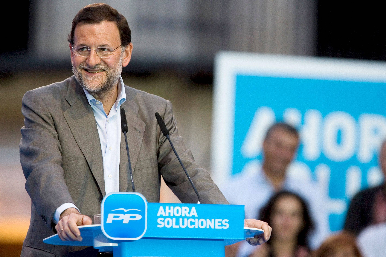 MA06. Málaga, 25.05.09.- El presidente del PP, Mariano Rajoy, durante su intervención en el acto de campaña de cara a las elecciones al Parlamento Europeo del 7 de junio, esta tarde en la Plaza de la Constitución de Málaga. EFE/Jorge Zapata