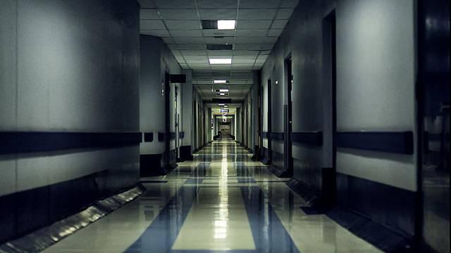 Las noches de hospital hacen grandes los recuerdos