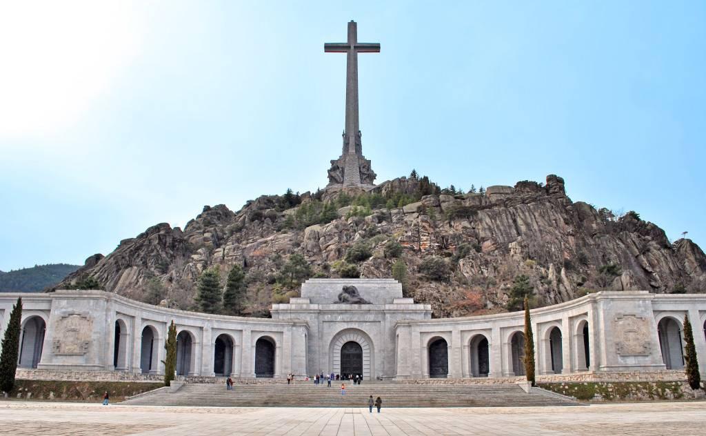 El Valle de los Caídos sobra (o no)
