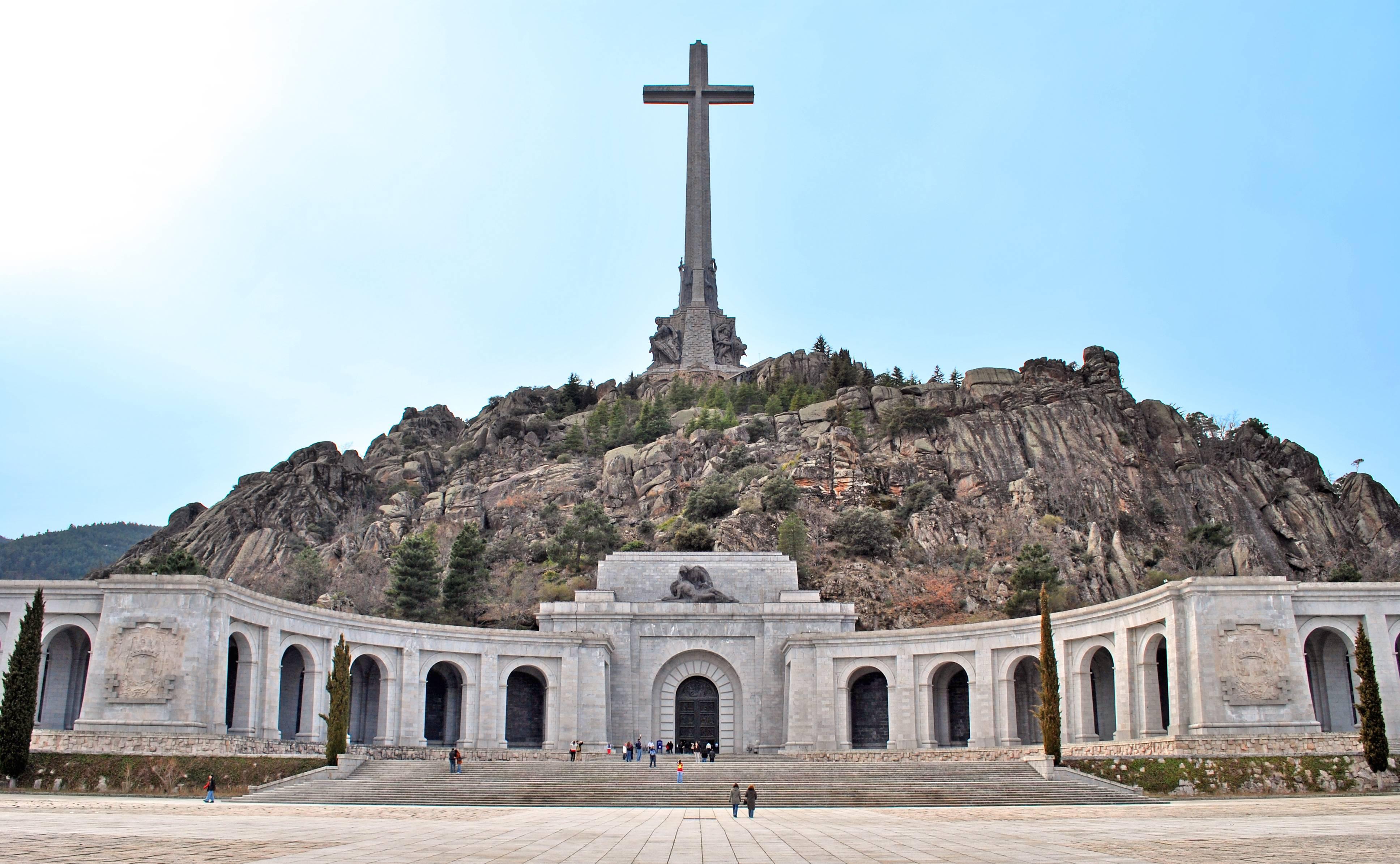 Valle_de_los_Caídos_(San_Lorenzo_de_El_Escorial)_02