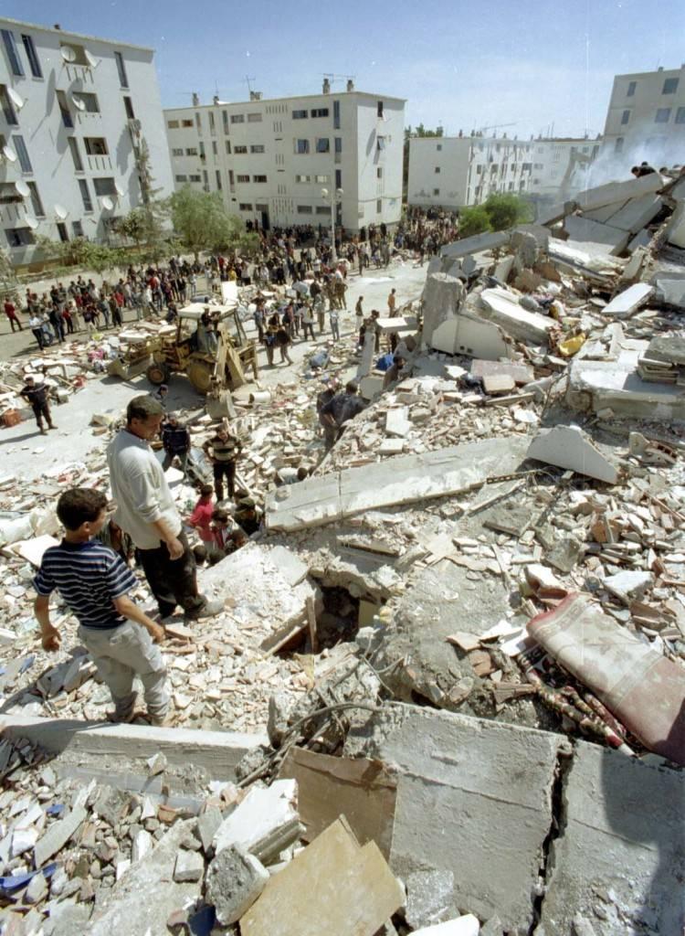 Terremotos y vecinos