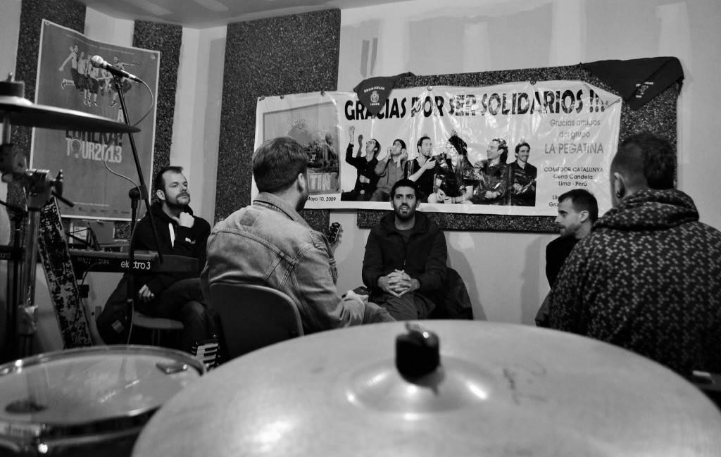 """La Pegatina: """"La autogestión nos ha convertido en una banda diferente"""""""