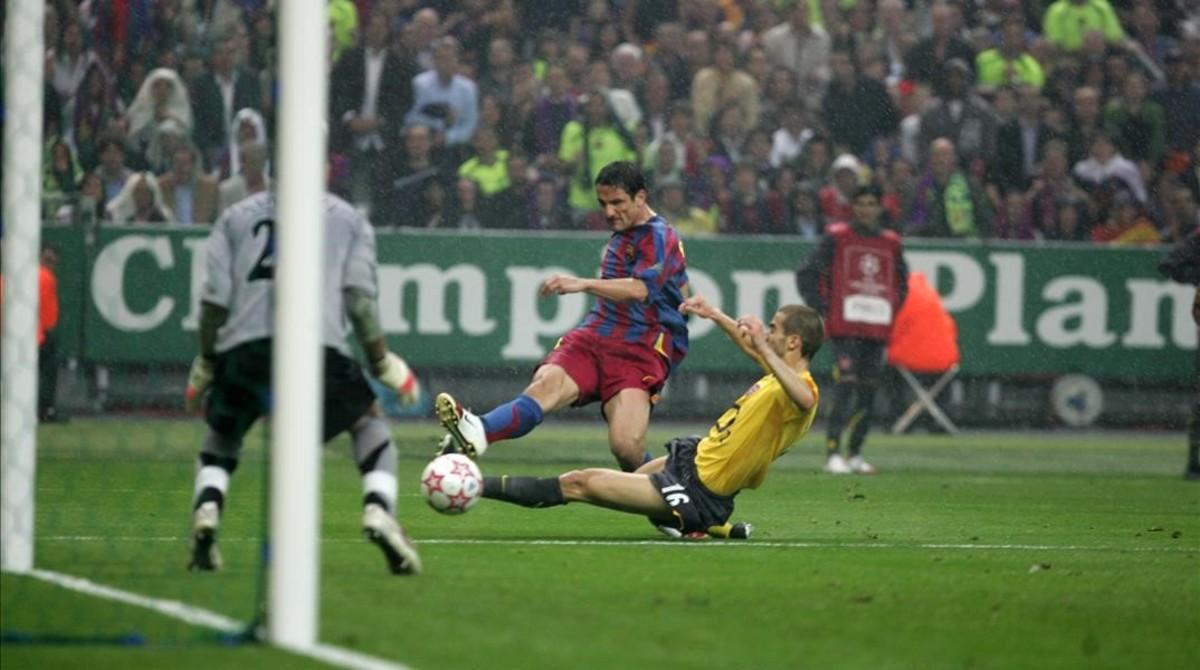 PARIS 17 05 2006 FINAL DE LA LIGA DE CAMPEONES ENTRE EL FC BARCELONA Y EL ARSENAL EN LA FOTO SECUENCIA GOL DE BELLETTI AL ARSENAL UNO FOTOGRAFIA DE JORDI COTRINA