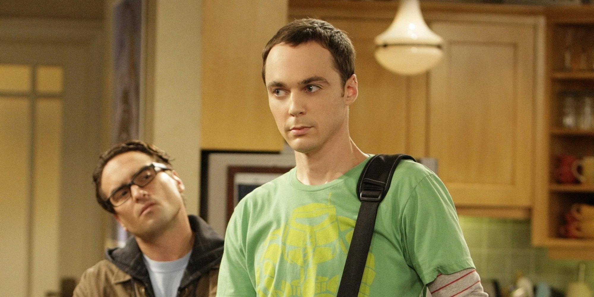 "LOS ANGELES - AUGUST 19: ""The Bad Fish Paradigm"" - After her first date with Leonard (Johnny Galecki, left) goes awry, Penny finds an unwilling confidant in Leonard's anti-social roommate, Sheldon (Jim Parsons, right), on the second season premiere of THE BIG BANG THEORY, Monday, September 22 (8:00-8:30 PM, ET/PT) on the CBS Television Network. (Sonja Flemming/CBS via Getty Images)"