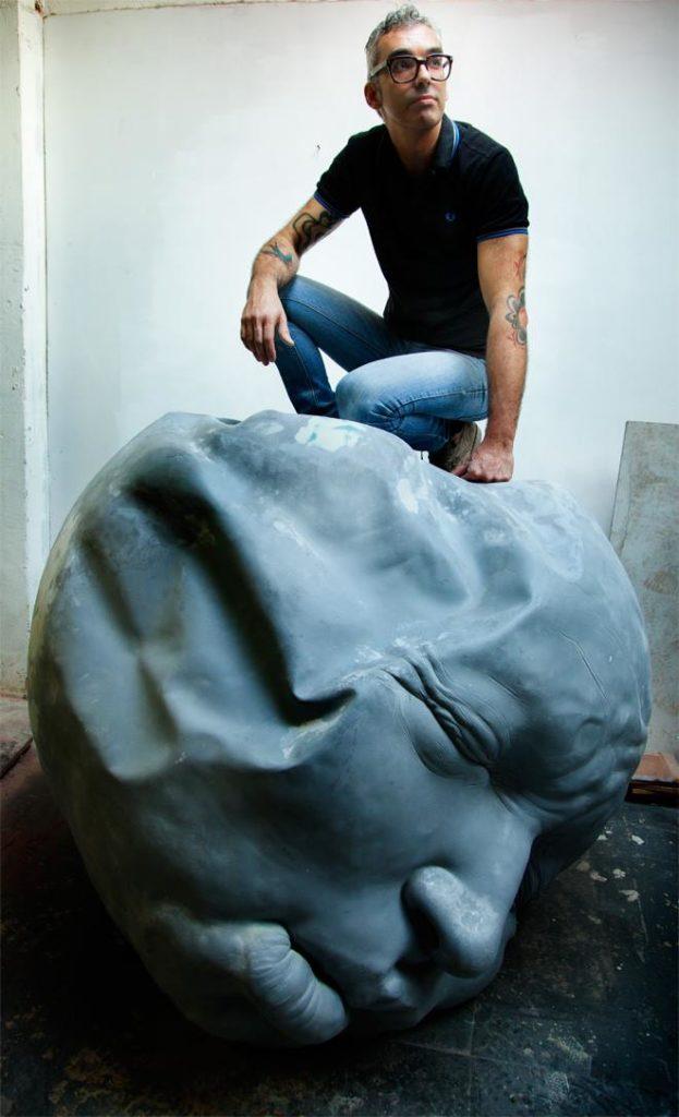 """Samuel Salcedo: """"La sociedad se puede permitir no comprar arte en un contexto de crisis económica. Lo que no se puede permitir es dejar de crear arte"""""""