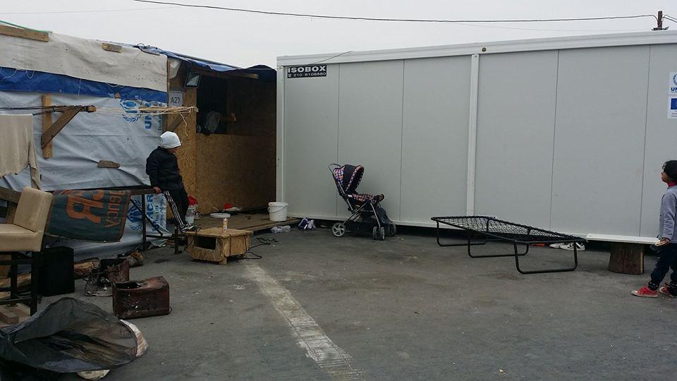 Los nadies: el pueblo que habita en contenedores