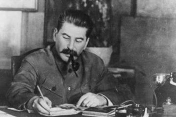 Stalin-escritorio