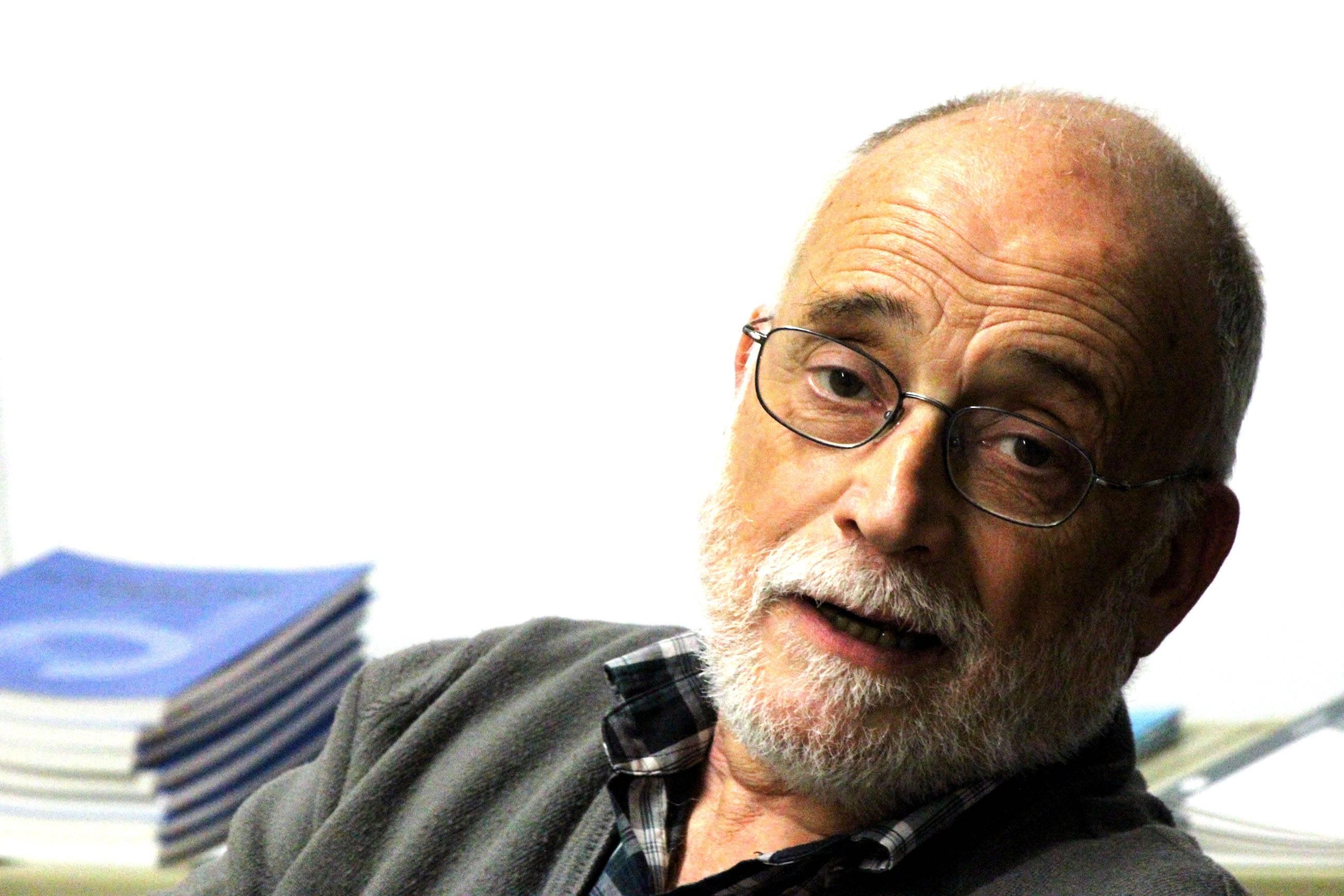 Arcadi Olivares, profesor de Economía UAB y presidente de la ONG Justícia i Pau.