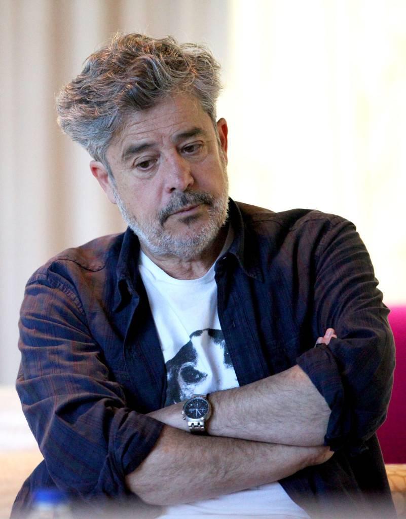 El director, pensativo durante la conversación con Negra Tinta. / L. Portero Durany