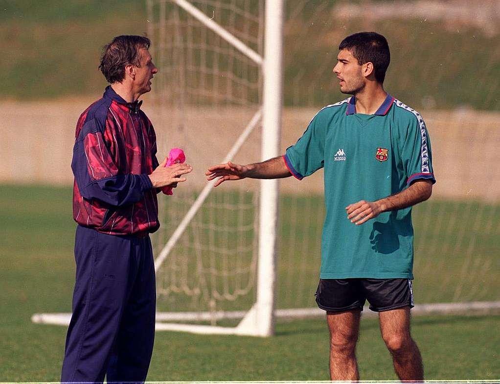 El entrenador que te hace debutar puede llegar a ser tu padre futbolístico, como Cruyff para Guardiola.