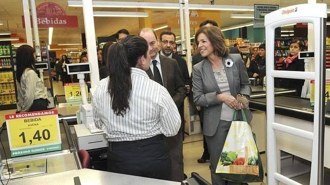 Ana Botella comprando Almirante