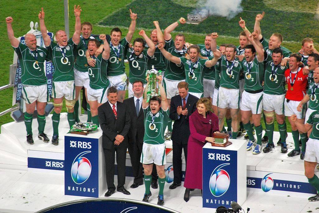 1024px-2009_Six_Nations_Champions_-_Ireland