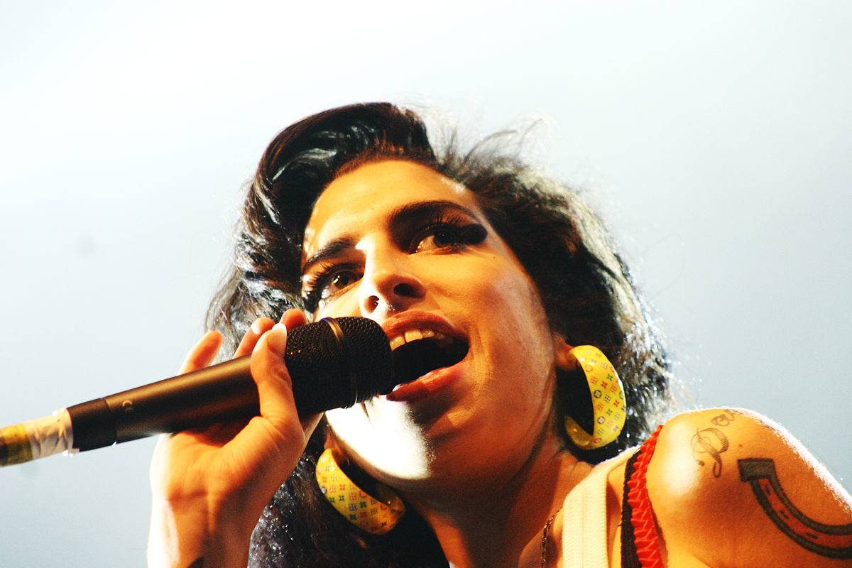 1200px-Amy_Winehouse_Eurockeennes_2007